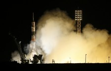 Expedition 43 crew take off