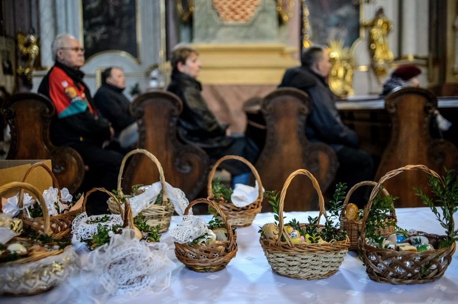 Święcenie pokarmów w Lublinie fot.Wojciech Pacewicz/EPA