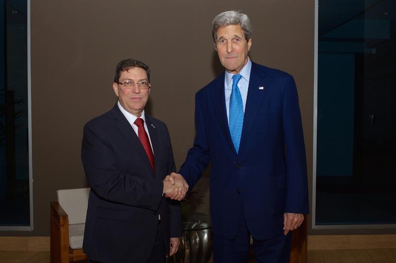 Bruno Rodriguez (z lewej) i John Kerry fot.Glen Johnson/US Department of State/EPA