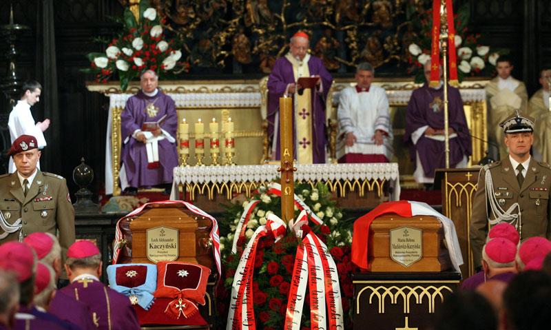 Pogrzeb prezydenckiej pary 18 kwietnia 2010 roku fot. Radek Pietruszka/EPA