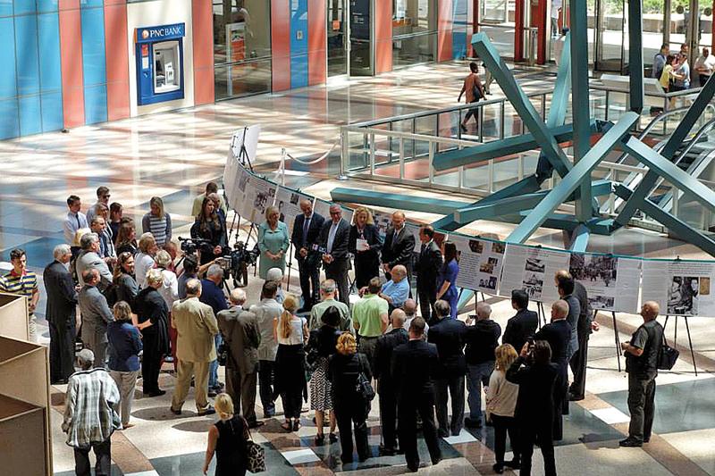 Ceremonia otwarcia wystawy o polskich Sprawiedliwych w Thompson Center fot.Konrad Zieliński, Konsulat Generalny RP w Chicago