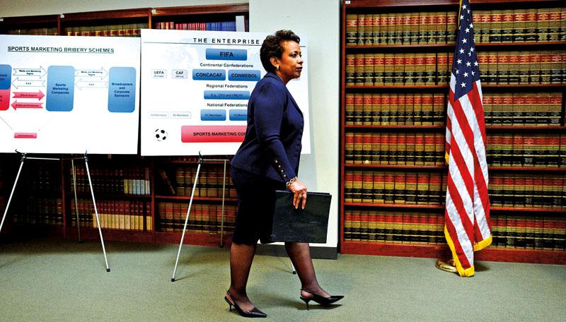 Prokurator generalna Loretta E. Lynch podczas konferencji prasowej na temat skandalu korupcyjnego w FIFA fot.Justin Lane/EPA