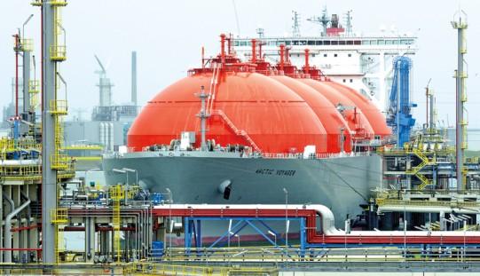 W PE unijno-amerykańskie rozmowy o LNG; USA obiecują współpracę z UE