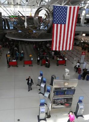 Seria fałszywych alarmów na lotniskach