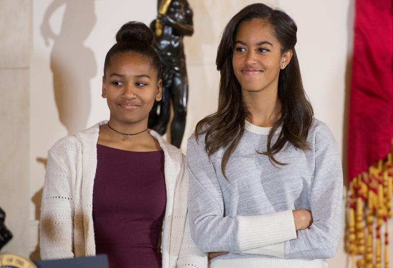Sasha (z lewej) i Malia Obama fot.Michael Reynolds/EPA