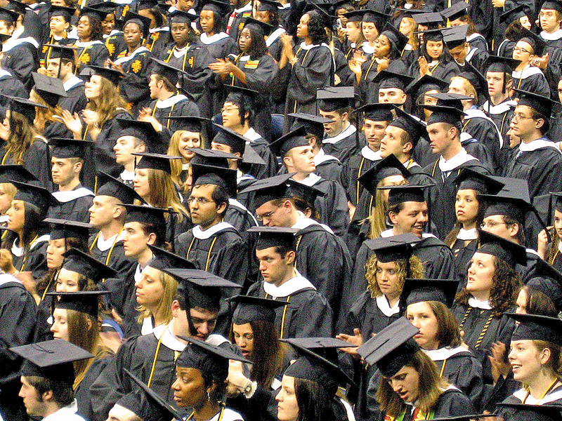 fot.Grads Absorb the News/Wikipedia