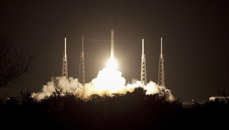 Rakieta Falcon9 fot. Jim Grossmann/NASA/EPA