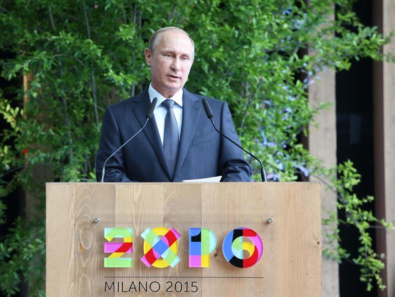 Władimir Putin podczas wizyty na targach EXPO w Mediolanie fot.Stefano Porta/EPA