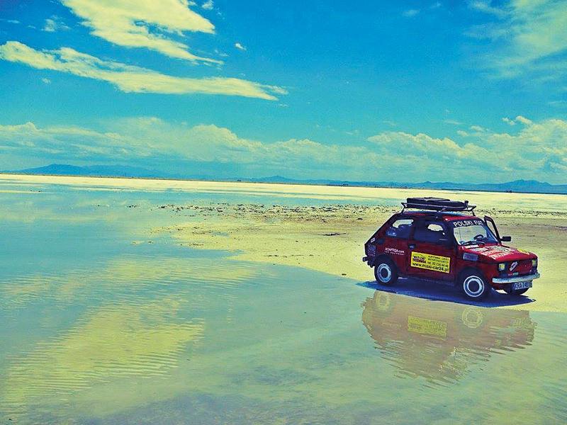 Przejażdżka po solnej pustyni Bonneville niedaleko Salt Lake City