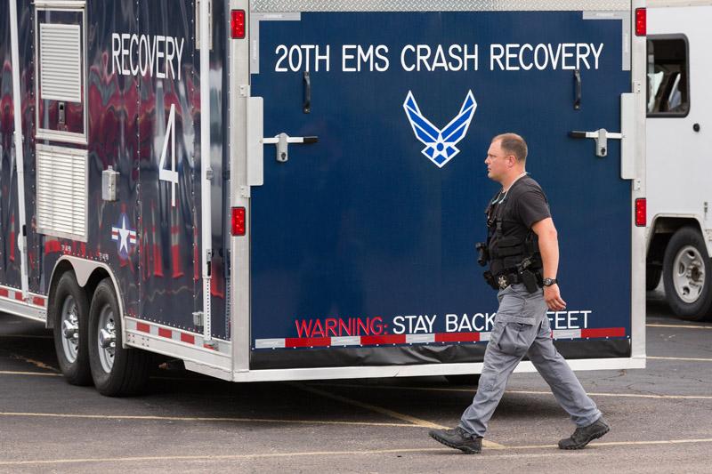 Ekipy ratownicze na miejscu zderzenia fot.Richard Ellis/EPA
