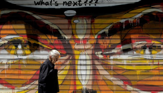Niedowierzanie po ustaleniach szczytu w sprawie pomocy dla Grecji