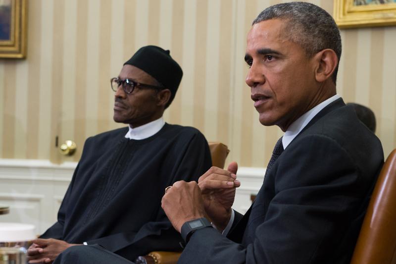 Barack Obama (z prawej) i prezydent Nigerii Muhammadu Buhari fot.Shawn Thew/EPA