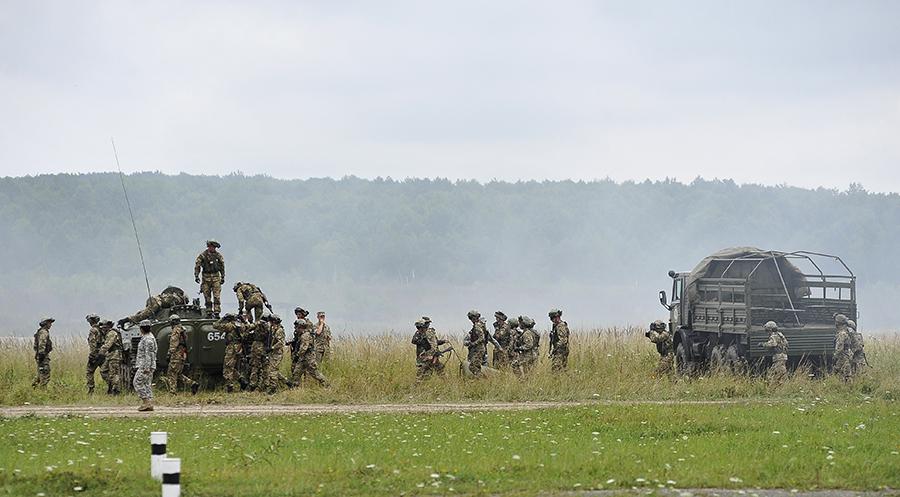 Ćwiczenia żołnierzy amerykańskich i ukraińskich na Ukrainie fot.Mykola Tys/EPA