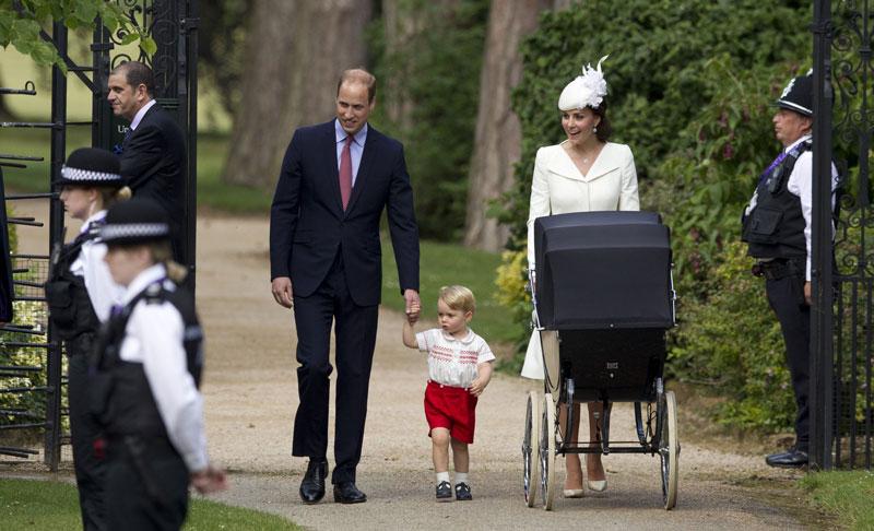 Książęca rodzina w komplecie fot. Matt Dunham/EPA
