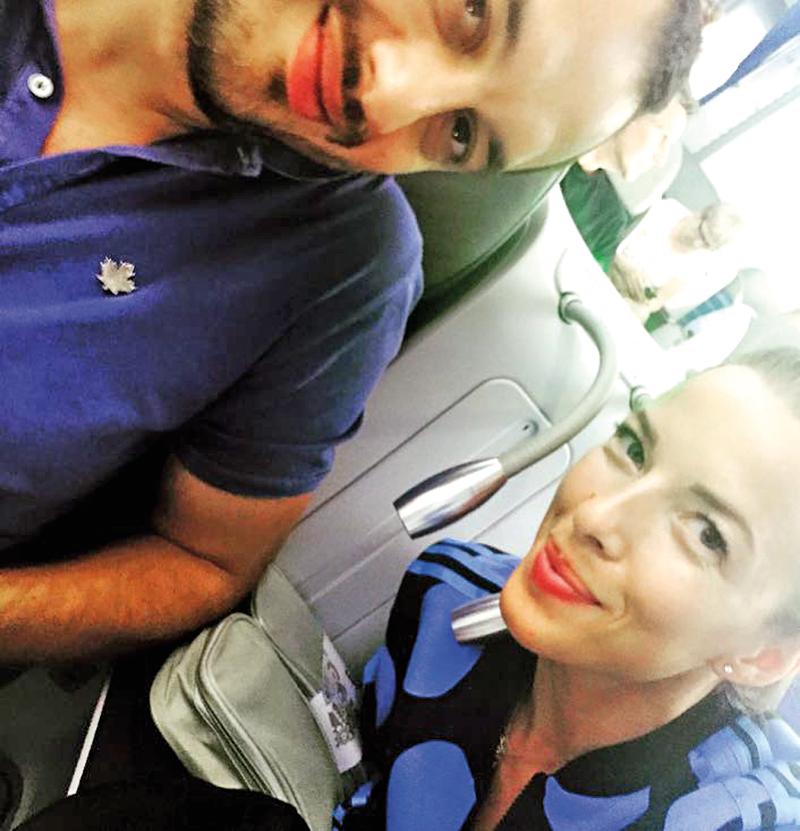 Ewa Chodakowska w samolocie po wylądowaniu na lotnisku O'Hare w Chicago fot.Ewa Chodakowska Instagram