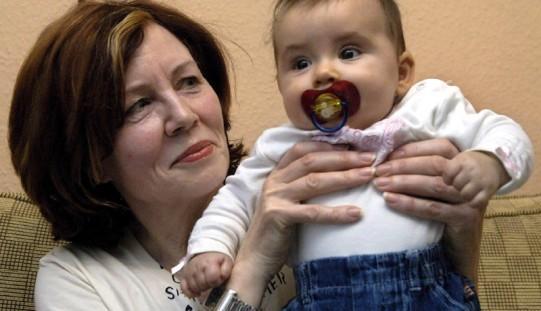 Niemcy. Czworaczki 65-letniej matki zostały wypisane ze szpitala