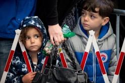 """""""Der Spiegel"""": niemieckie firmy robią kokosowe interesy na uchodźcach"""