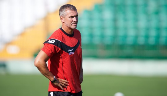Ekstraklasa piłkarska – von Heesen poprowadził pierwszy trening Lechii