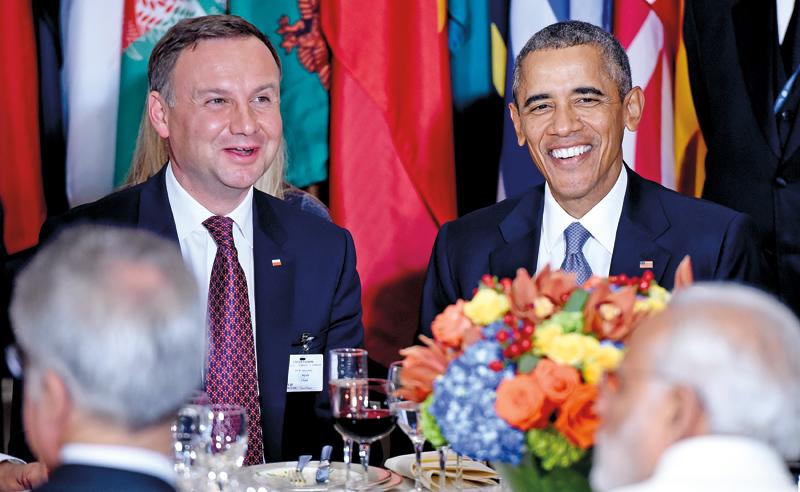 Andrzej Duda i Barack Obama podczas lunchu w przerwie 70. sesji ONZ w Nowym Jorku fot.Justin Lane/EPA
