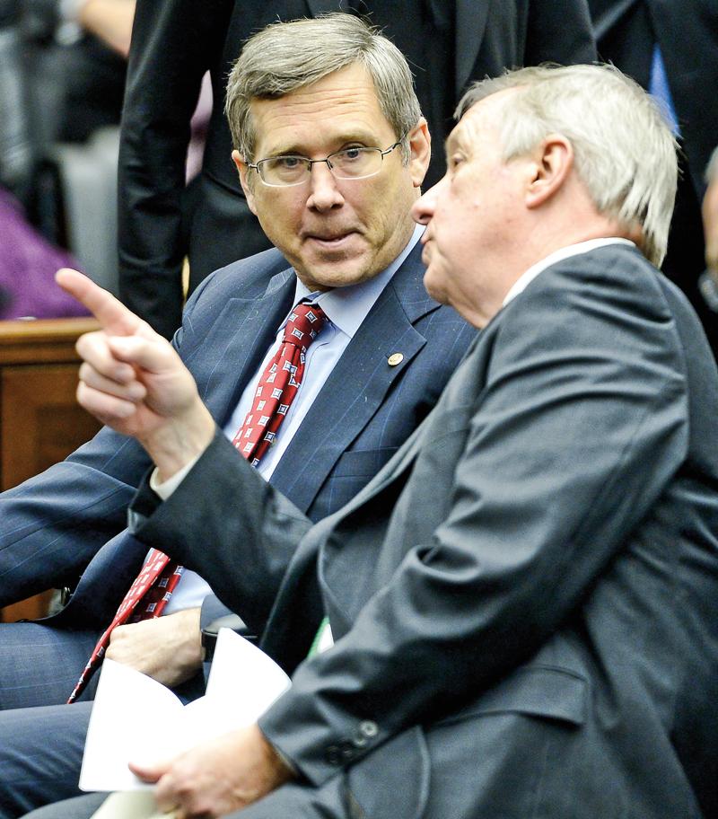 Mark Kirk (z lewej) fot.Tannen Maury/EPA