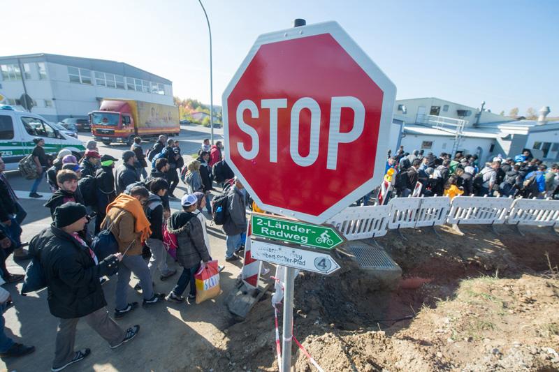 Uchodźcy w Austrii fot.Armin Weigel/EPA