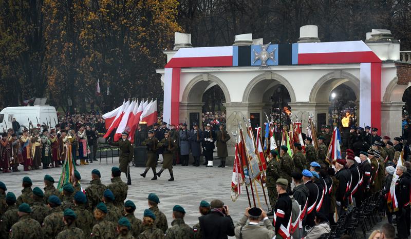 Uroczystości przy Grobie Nieznanego Żołnierza fot.Radek Pietruszka/EPA