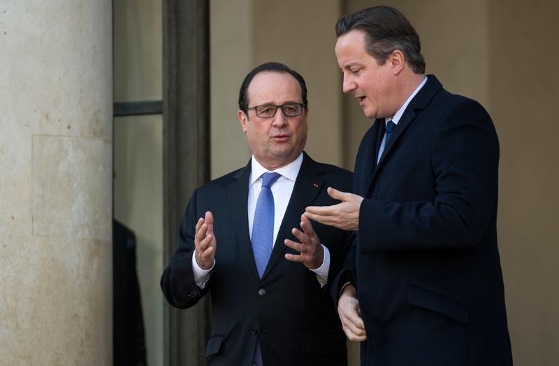Stoppante Francois Hollande i Davida Camerona fot.Ian Langsdon/EPA
