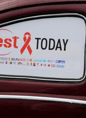 Eksperci: test na HIV powinien wykonać każdy, kto miał niezabezpieczony kontakt seksualny