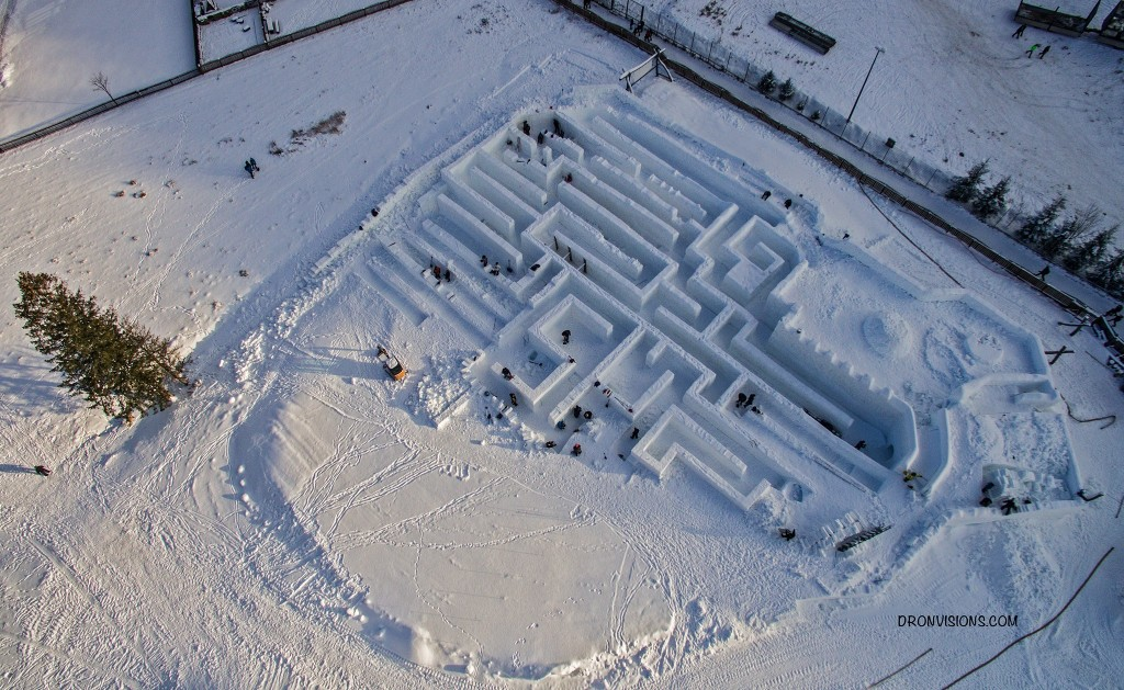 fot. Śnieżny labirynt - Facebook Page
