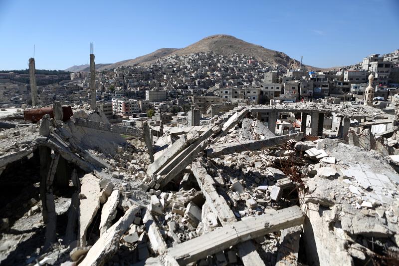 Zniszczenia w Barzeh na przedmieściach Damaszku w Syrii fot.Mohammed Badara/EPA