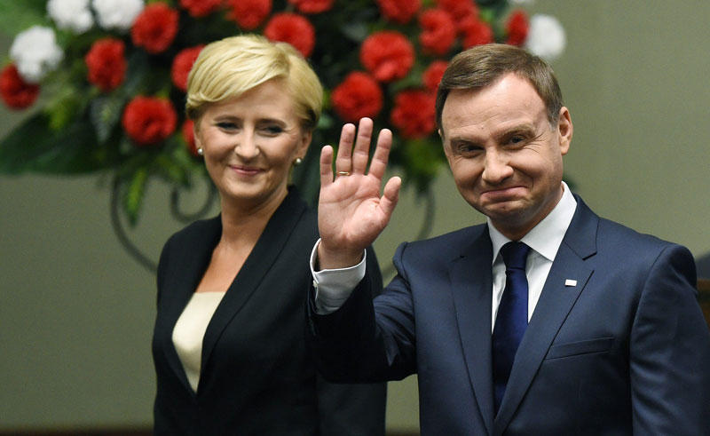 Andrzej Duda z małżonką fot. Radek Pietruszka/EPA