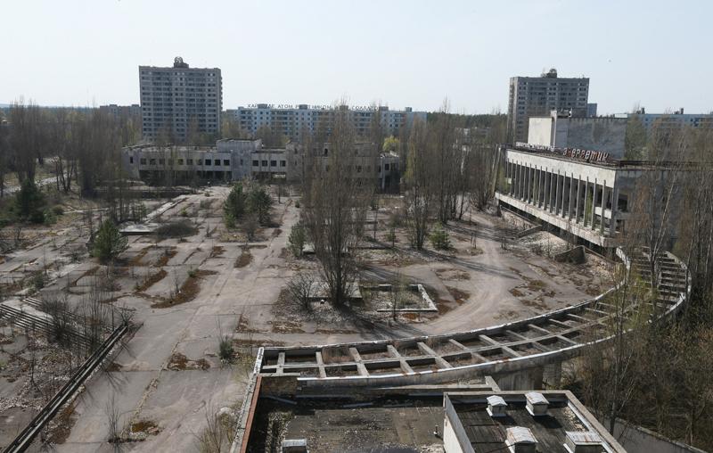 Miasteczko Prypeć w okolicach Czarnobyla. Opuszczone od 30 lat fot.Sergey Dolzhenko/EPA