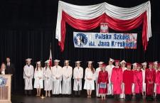 Pożegnanie absolwentów z klasy ósmej i maturzystów. Foto Bogdan Kasprzak