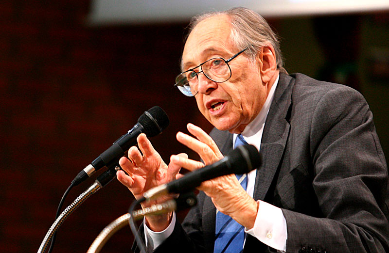 Alvin Toffler fot. STR/EPA