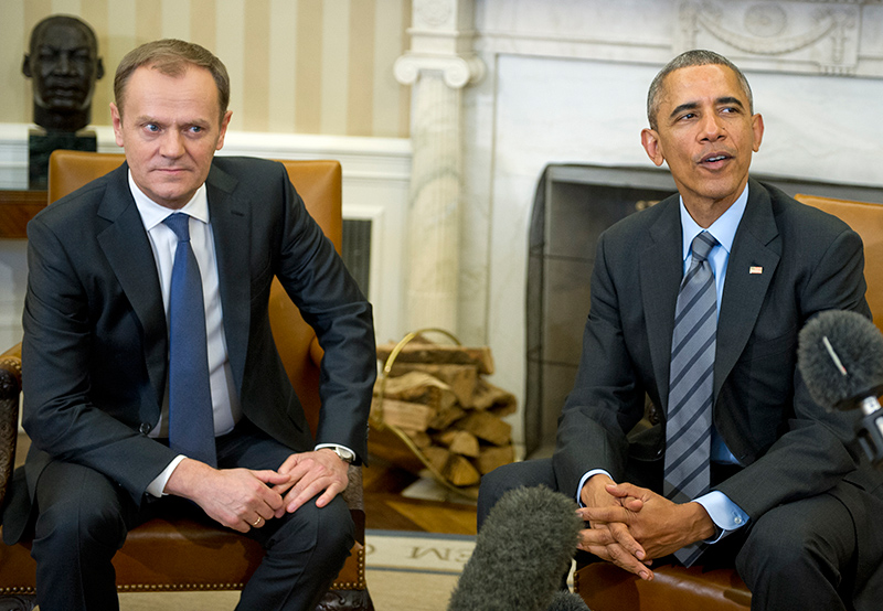 US President Barack Obama (R) hosts European Council President Donald Tusk (L) in the Oval Office of the White House in Washington, D.C., USA, 09 March 2015.   fot.Ron Sachs/Pool/EPA