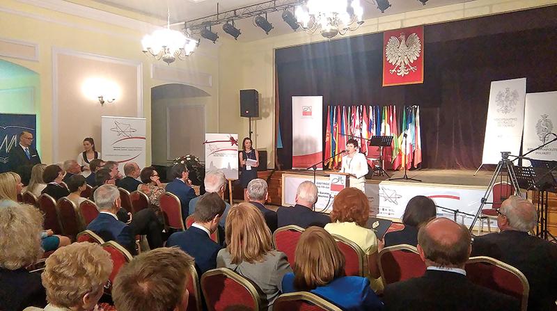 Jolanta Tatara, prezydent Kongresu Oświaty Polonijnej fot.Ośrodek Doskonalenia Nauczycieli Stowarzyszenia Wspólnota Polska Facebook