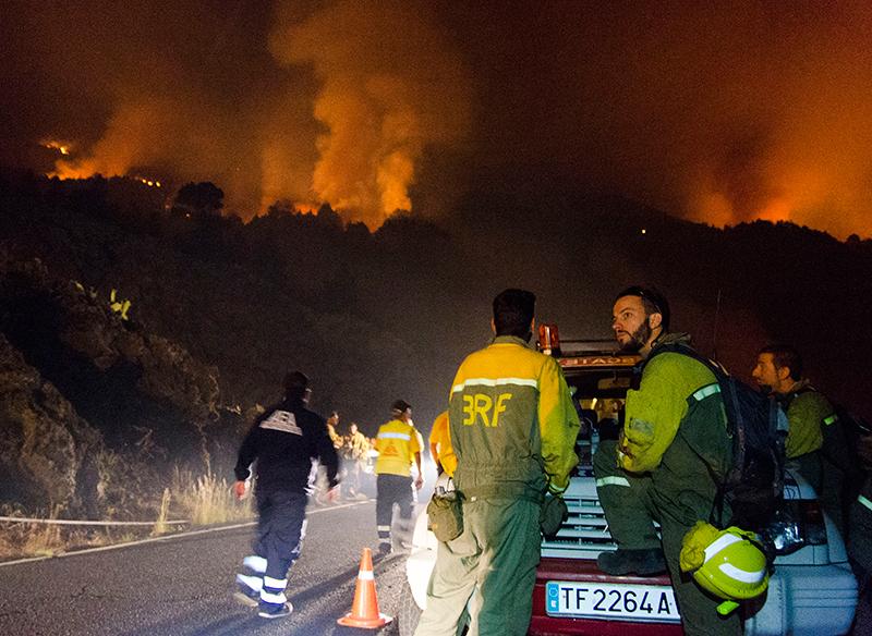 Pożar w El Paso w La Palma na Wyspach Kanaryjskich fot.Miguel Angel Perez Calero/EPA