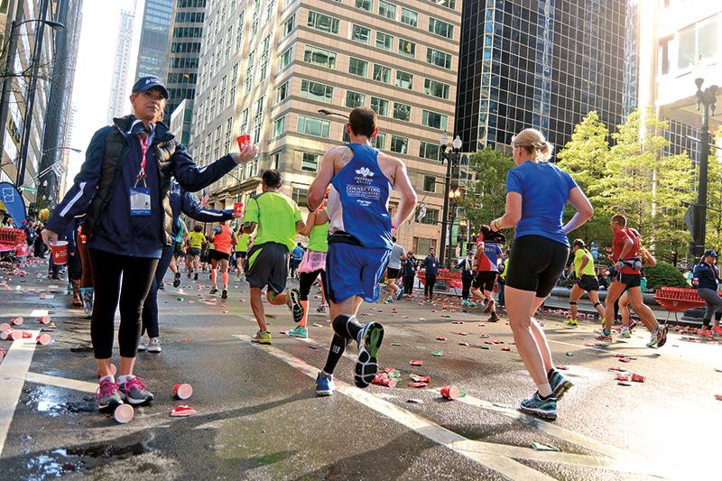 Maratończycy na trasie chicagowskiego maratonu w 2015 roku fot.Piotr Serocki