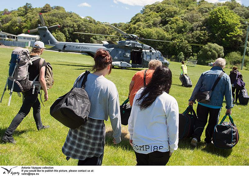 Ewakuacja turystów z Nowej Zelandii fot.Sgt Sam Shepherd/New Zealand Defence Force/Handout/EPA