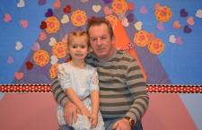 Julia Orlowska z dziadkiem