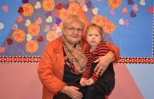 Kaila Czykier z babcią