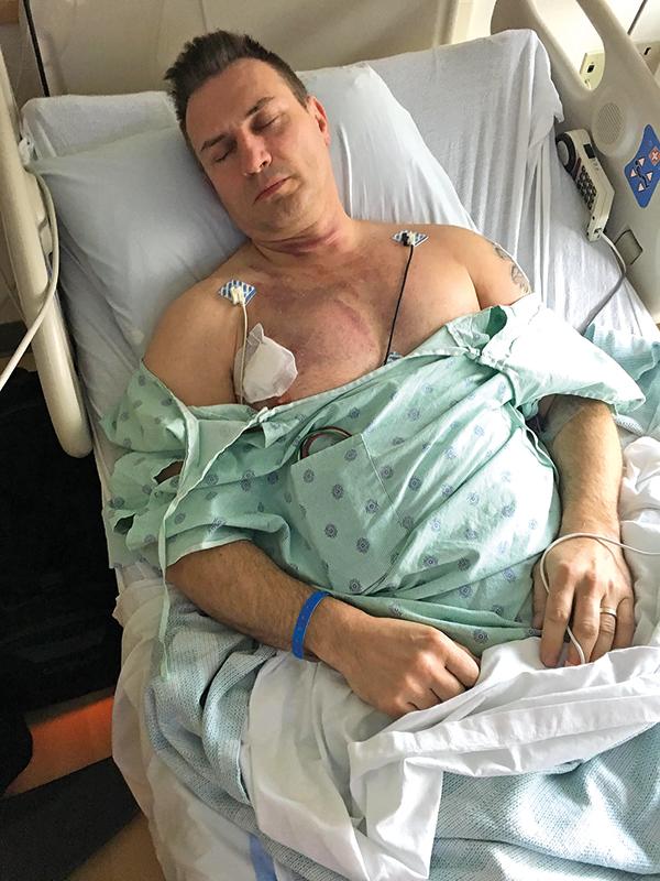 Postrzelony kierowca Krzysztof Bogucki w szpitalu w Urbanie fot.arch. rodzinne