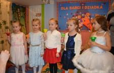 Sara, Julia, Ariana,Zuzia i Amelia zagrały ODĘ DO RADOŚCI na dzwonkach