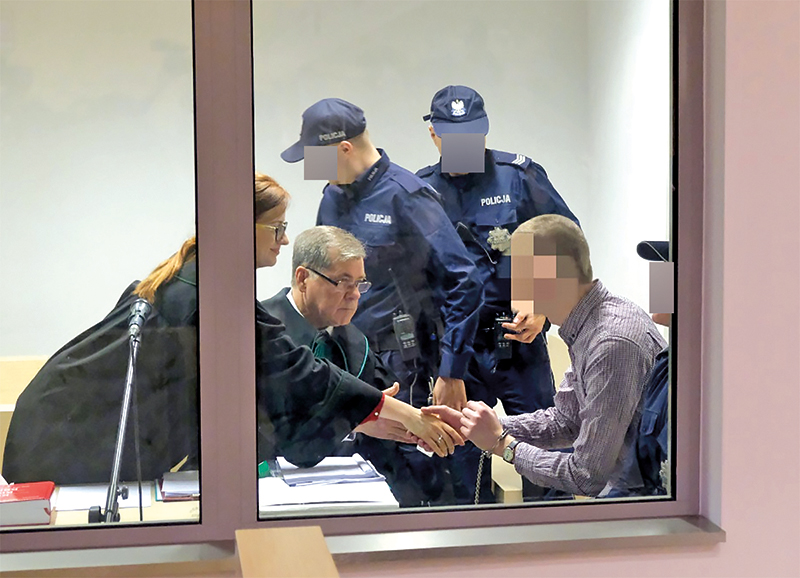 Adama Z. na ławie oskarżonych w Poznaniu fot.Jakub Kaczmarczyk/PAP/EPA