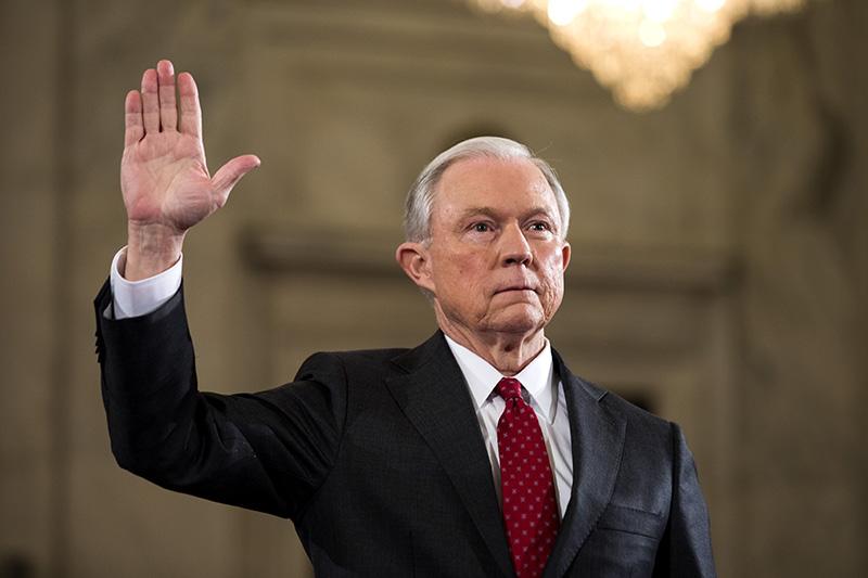 Kandydat na prokuratora generalnego, senator Jeff Sessions podczas przesłuchania przed senacką komisją sprawiedliwości fot.Jim Lo Scalzo/EPA
