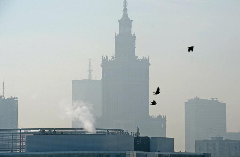 Smog w Warszawie fot.Jacek Turczyk/EPA