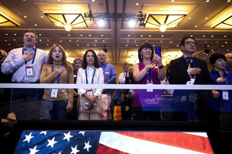 Uczestnicy konwencji zrzeszającej konserwatywne organizacje (Conservative Political Action Conference)  fot. Jim Lop Scalzo/EPA