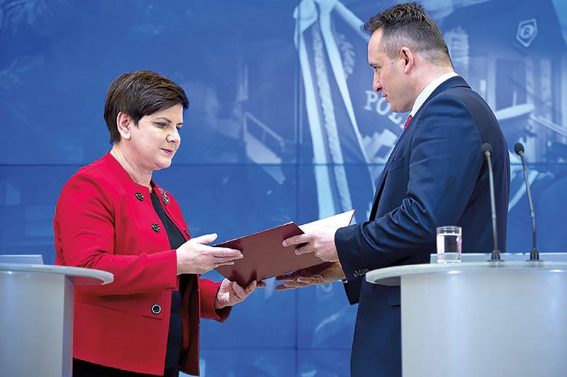 Premier Beata Szydło i nowy szef BOR, gen. brygady Andrzej Pawlikowski fot.P.Tracz/KPRM