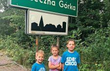 5 Victor, Emilka i David Chrabąszcz byli przez dwa i pół miesiąca w Piasecznej Górce koło Kielc