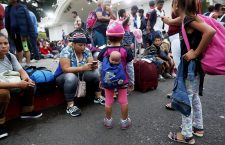 Honduran migrants continue their way to the Mexico and Guatemala's border, Escuintla - 19 Oct 2018